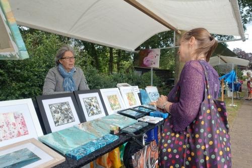Impressie foto kunstmarkt Wezup Drenthe 2019 schilderkunst Heidi Luchies