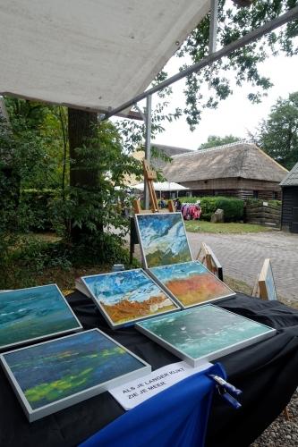 Impressie foto kunstmarkt Wezup Drenthe 2019 Marscha Van Noesel Acryl op doek, canvas