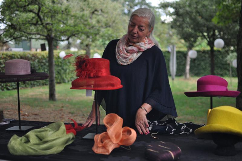 Handgemaakte hoeden op maat van Atelier Ina Gelling deelnemer Kunstmarkt Wezup