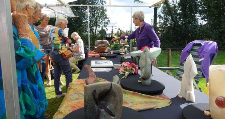 Vrije vormen in steen en brons van Atelier Steen deelnemer Kunstmarkt Wezup