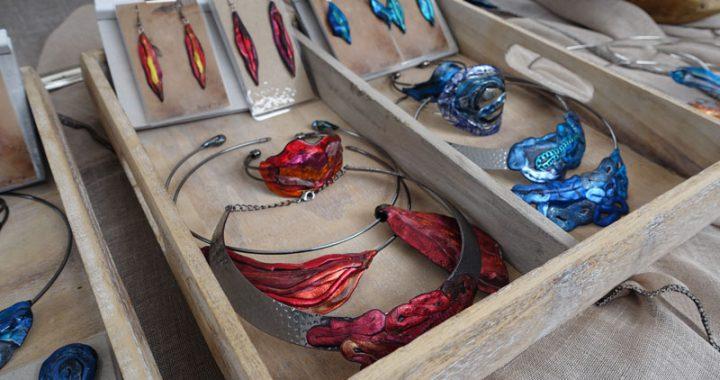 Sieraden van Atelier Typisch Tineke van Tineke Strating deelnemer Kunstmarkt Wezup