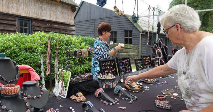 Zelfgemaakte sieraden van Jelly Swart deelnemer Kunstmarkt Wezup 2019