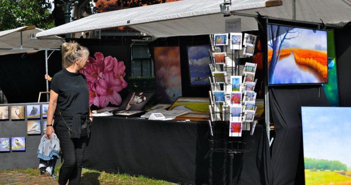Schilderijen Willem Komduur deelnemer Kunstmarkt Wezup